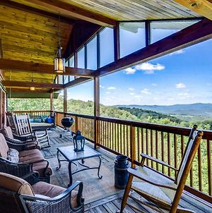 Elegant Home With Mountain Views - Near Resort! photos Exterior