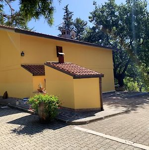 House With 2 Bedrooms In Civitaquana With Private Pool And Enclosed Garden 35 Km From The Slopes photos Exterior