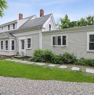 539 Five Minute Drive To Nauset Beach Updated Colonial With Yard Fire Pit And Game Room photos Exterior