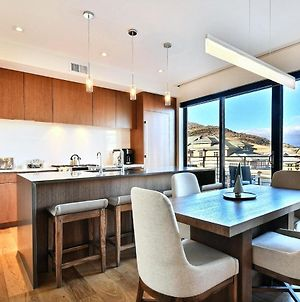 Modern & New 1Br Residence In Canyons Village- Ski In Ski Out! Condo photos Exterior
