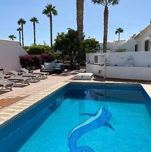 Stunning 4 Bed Villa With Private Pool photos Exterior