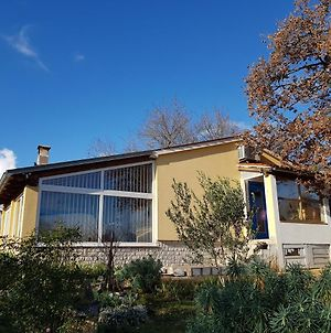 Lovely 2-Bed House In Klarici photos Exterior