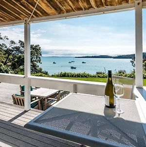 Peaceful Picnic Bay - Surfdale Holiday Home photos Exterior