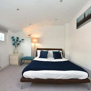 Luxury 3 Bedroom House By Victoria Station photos Exterior