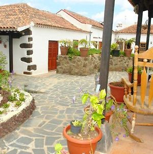 House With One Bedroom In San Cristobal De La Laguna With Shared Pool Enclosed Garden And Wifi 12 Km From The Beach photos Exterior
