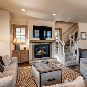 Stoneleigh Lodge Luxurious 4Br Home In Downtown Breck With Hot Tub photos Exterior