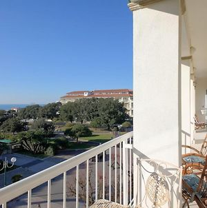 Apartment With 3 Bedrooms In Forte Dei Marmi With Wonderful Sea View Furnished Balcony And Wifi 100 M From The Beach photos Exterior