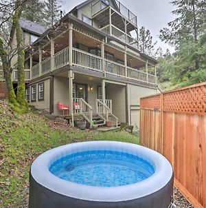 Peaceful Applegate Guest Suite With Private Hot Tub! photos Exterior