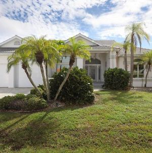 Rent Your Own Exclusive Villa With Large Private Pool On Charlotte Harbor, Charlotte County Villa 1009 photos Exterior