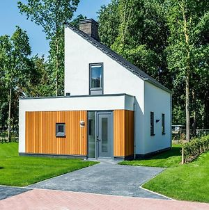 Modern And Stylish Villa With Two Bathrooms In Limburg photos Exterior