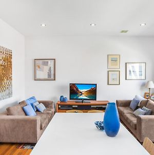 2-Bed Apartment With Parking And Balcony Near Trains photos Exterior