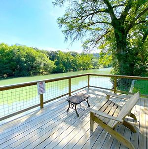 Riverfront Farm House - Guadalupe River - Newly Renovated - River Amenity Included photos Exterior