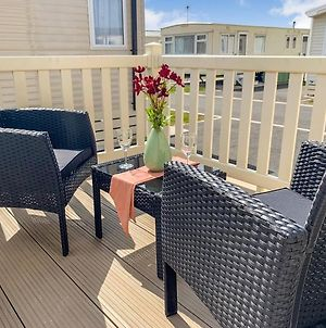 Mistral 3-Bed Holiday Home In Rhyl photos Exterior