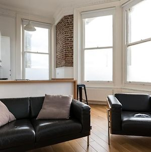 Remarkable 1-Bed Apartment In Hove photos Exterior