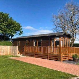Charming 2-Bed Lodge With Hot Tub In Morpeth photos Exterior