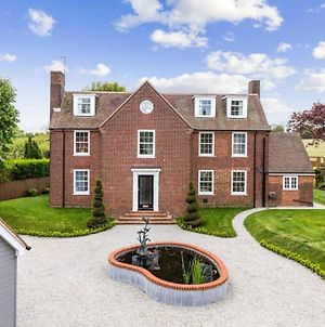 Stunning 5 Bedroom House - The Officers House photos Exterior