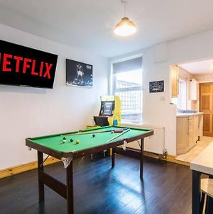 3 Bedroom House With Games Room, Arcade Games And Cinema Room photos Exterior