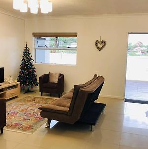 Apartment In The Heart Of Shelly Beach Walking Distance To The Beach! photos Exterior