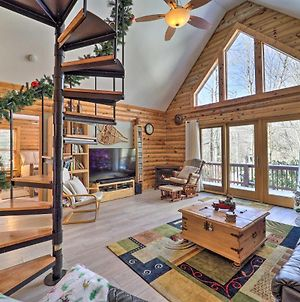 Cozy Beech Mountain Retreat With 2 Decks And Fire Pit! photos Exterior
