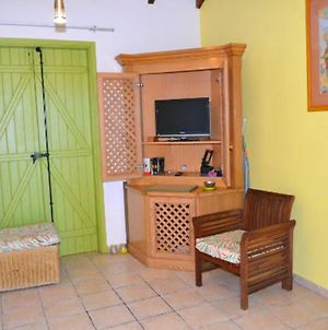 House With 2 Bedrooms In Saint Francois With Shared Pool Enclosed Garden And Wifi 4 Km From The Beach photos Exterior