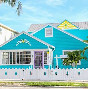 Historic Pass-A-Grille Beach Pineapple House 105-21H By Tech Travel photos Exterior