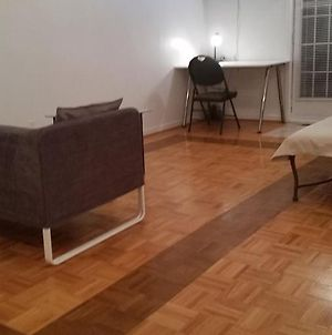 Private One-Bedroom Apt With Separate Entrance And A Backyard photos Exterior