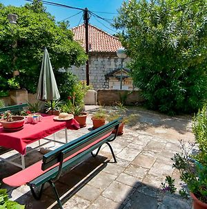 Apartment Gradac With Garden Next To Beach And Old Town photos Exterior