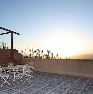 House With 2 Bedrooms In Niscemi With Wonderful Sea View And Enclosed Garden 20 Km From The Beach photos Exterior