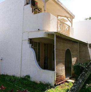House With 3 Bedrooms In Trou Aux Biches With Shared Pool Enclosed Garden And Wifi 2 Km From The Beach photos Exterior