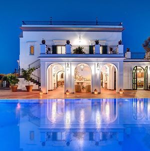 The Palace - Luxury Villa With Pool photos Exterior