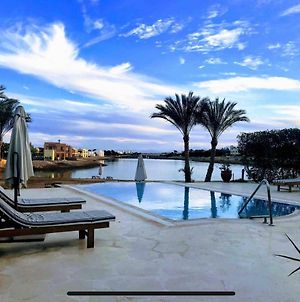 Villa 3 Bedrooms , 3 Bathrooms, Private Heated Pool ,Access And View Lagoon In El Gouna photos Exterior