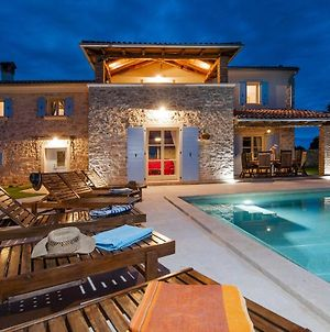 Beautiful Villa Tomani With Pool, Basketball And Volleyball Field photos Exterior