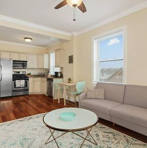 Cozy 1Br With Great Sea Views, 10-Min Drive To Ac photos Exterior