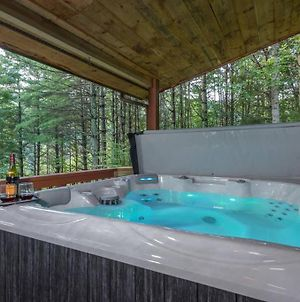 Magical Riverwalk Cabin! Hot Tub, Fire-Pit, River! photos Exterior