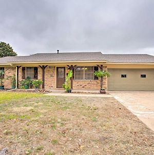 Spacious Ranch Home In Historic Waxahachie! photos Exterior