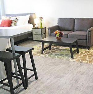 Downtown Comfy Loft With Fully Equipped Kitchen, Gym, Rooftop photos Exterior