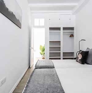 Exquisite Designed Historic Flat With Sunny Rooftop photos Exterior