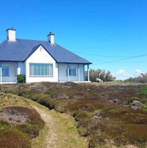 The Crest- 4 Bed Sea View Property -Trearddur Bay photos Exterior