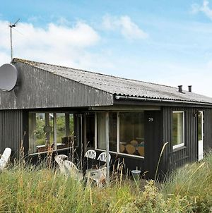 Three-Bedroom Holiday Home In Hjorring 9 photos Room
