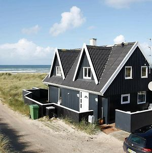 Three-Bedroom Holiday Home In Blokhus 2 photos Room