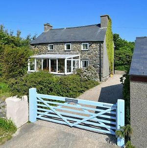 Charming Holiday Home In Aberdaron With Private Garden photos Room