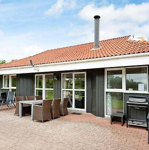 Three-Bedroom Holiday Home In Hejls 5 photos Room