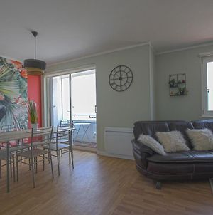 Endearing Apartment In Arromanches-Les-Bains Nearby The Sea With View On The Harbour photos Room