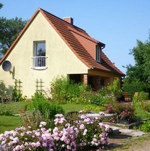 Peaceful Holiday Home In Niendorf With Garden Seating And Parking photos Room