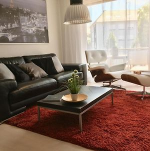 Stylish 2 Bedroom Apartment With Balcony, Free Parking & Wifi, Near Trainstation! Saarpartment Xl-3 photos Exterior