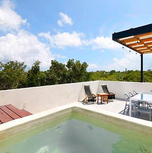 3Br Penthouse! Private Plunge Pool & Spacious Rooftop! Sleeps 9!!! photos Exterior