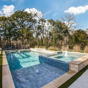 Tranquility In The City : Luxurious Pool & Spa photos Exterior