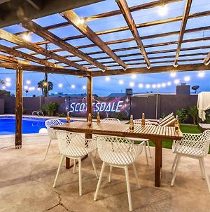 Resort Backyard With Jacuzzi, Pool, Loungers, Giant Connect 4 And More! photos Exterior