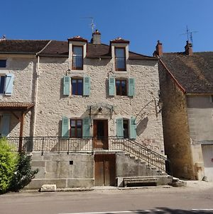 New Le Chevalier - Large, 3 Bedroom House With Aircon And Terrace photos Exterior