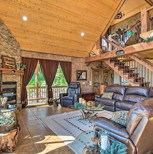 Spacious Fish Haven Cabin With Game Room And Deck! photos Exterior